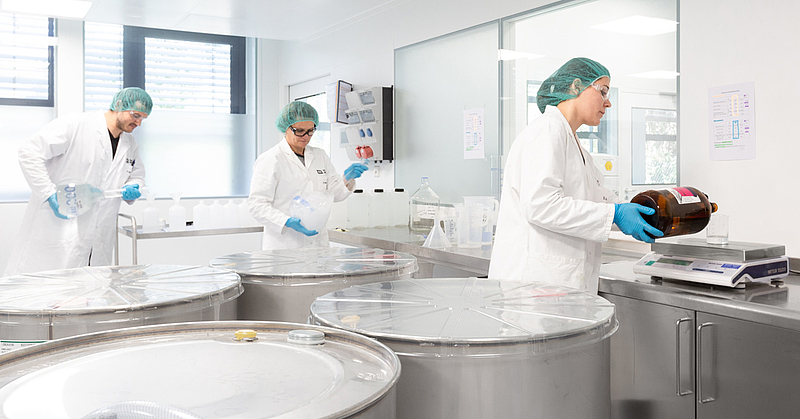 The pharmaceutical specialists of the machine manufacturer produce disinfectants.